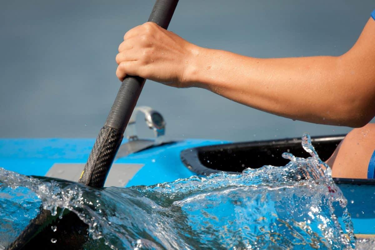 Carbon Kayak Paddle being drawn through the water