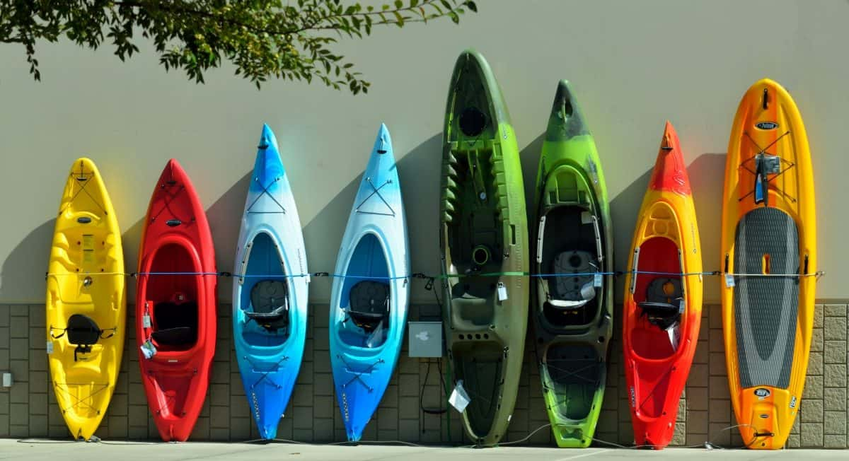 Picture of different type of kayaks and canoes