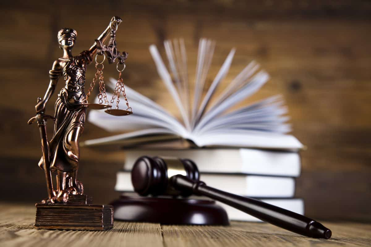 Lady Justice, scales and gabble