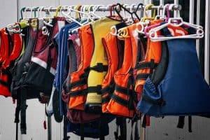 Best Kayak Life Vest: Top 10 Safe & Comfortable Kayak Life Jackets (PFD)