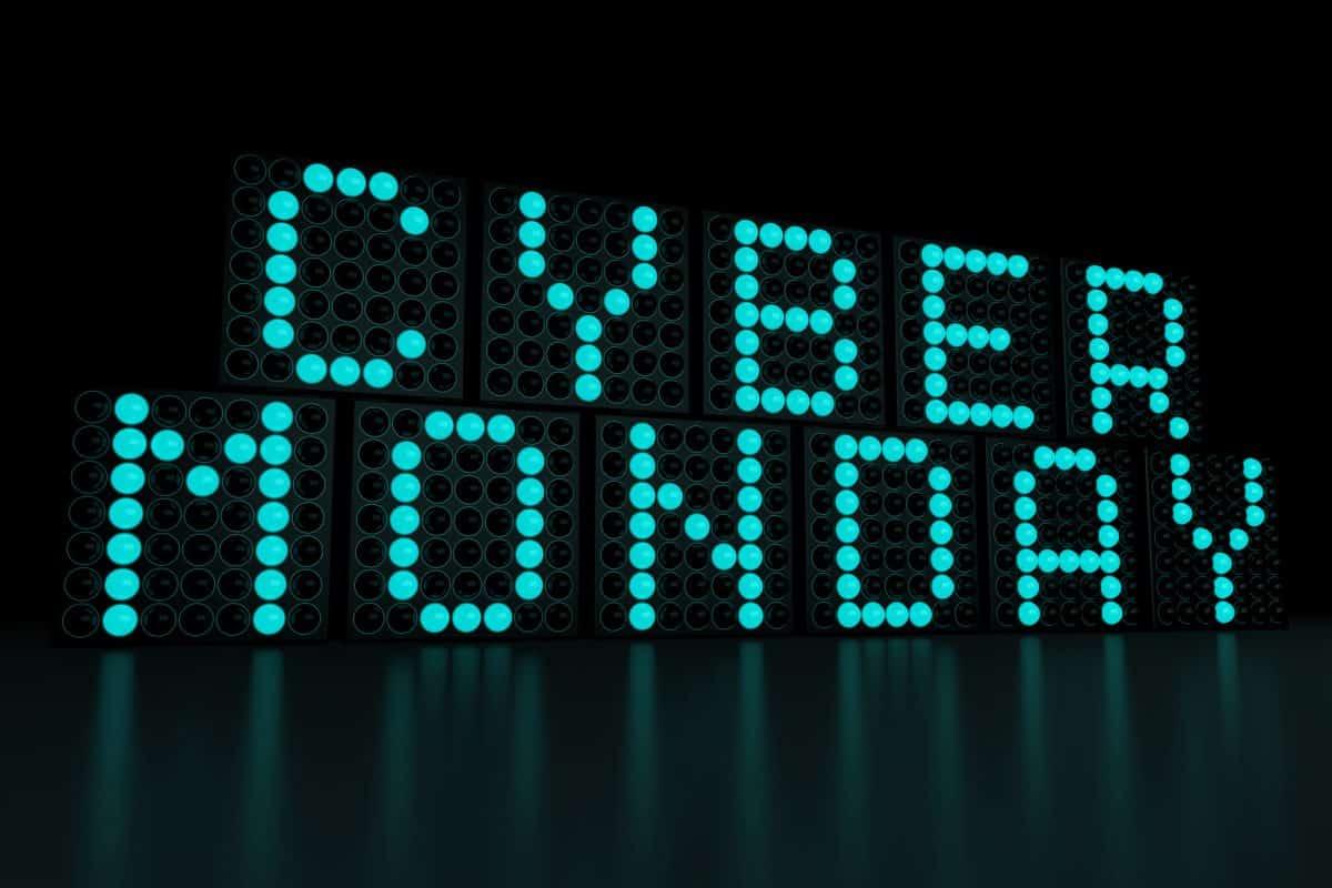 kayak cyber monday deals